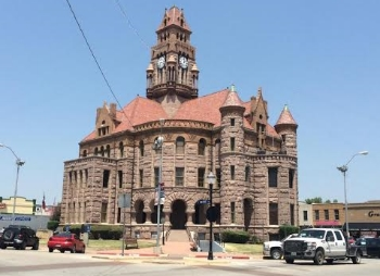 Wise County courthouse in Decatur. Photo Credit: M'Lissa Howen.
