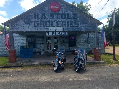 How many times have you driven by a place like this? Next time, stop and introduce yourself to Randy. Photo Credit: M'Lissa Howen.