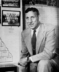 John Wooden was old fashioned. That is a good thing. By Associated Students, University of California, Los Angeles [Public domain], via Wikimedia Commons
