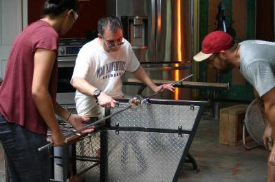 Gary Eisenstat works the glass. Photo credit: Steve Howen.