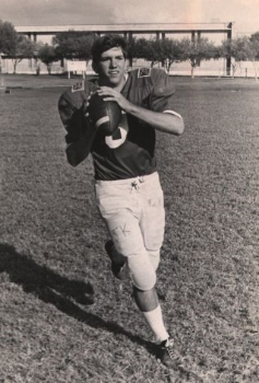 When I think about San Antonio Lee, my first thought is not of slavery or the Civil War, but of their great quarterback, former Minnesota Viking Tommy Kramer. Photo Credit: San Antonio Robert E Lee High School (Life time: NA) via Wikimedia Commons